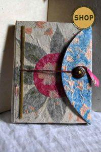 Handgemaakt schrijfboekje. Lokta papier. Geen enkel boekje is identiek.
