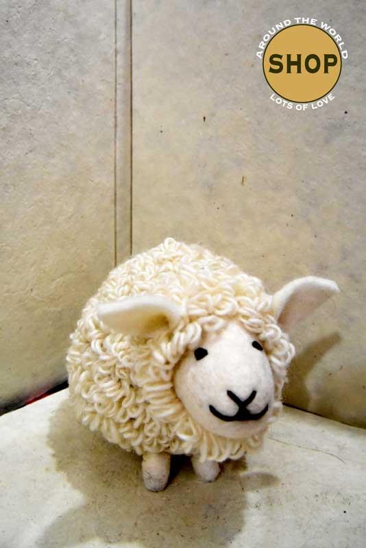 Handgemaakt vilt schaap. 5339 Speelgoed, dieren.